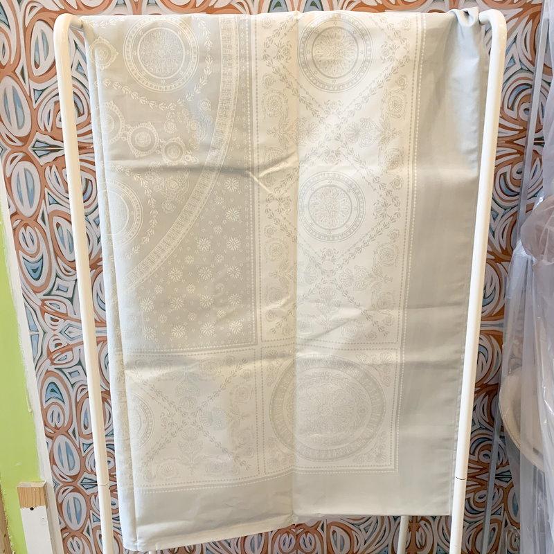 Garnier Thiebaut Garnier Thiebaut Abeilles Royales Table Cloth 69x69 inch