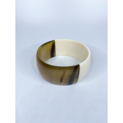 Two's Company Color Block Slip On Horn Bangle- wide (white/gold)