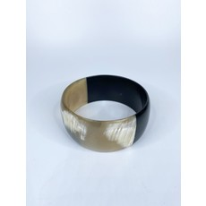 Two's Company Color Block Slip On Horn Bangle- wide (black/gold)