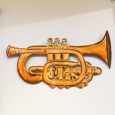 Cynthia Kolls Consignment Gold Leaf Horn