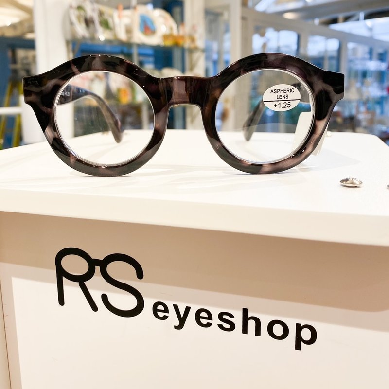 RS Eyeshop Polycarbonate Readers Gray