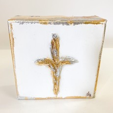 Claudia Nelson Gold Cross 4 x 4