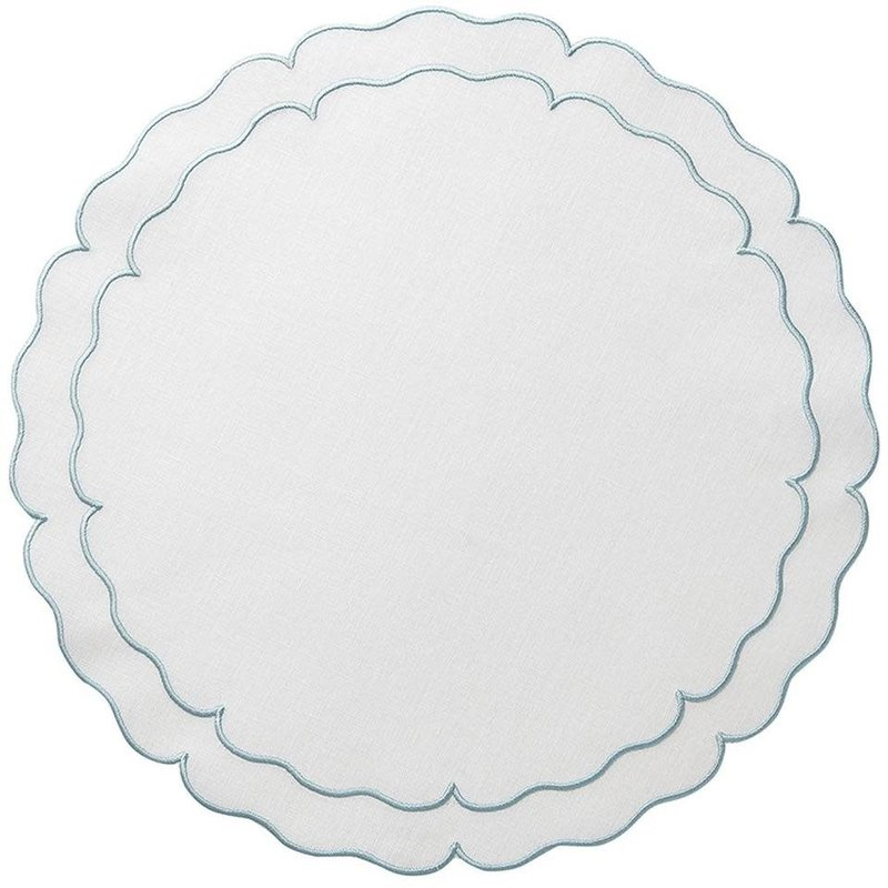 Skyros Designs Linho Scalloped Round Placemat White and Ice Blue