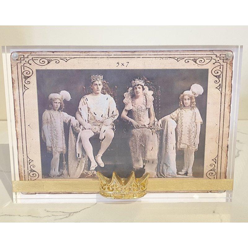 Susan Lange Susan Lange Horizontal Point Crown Frame