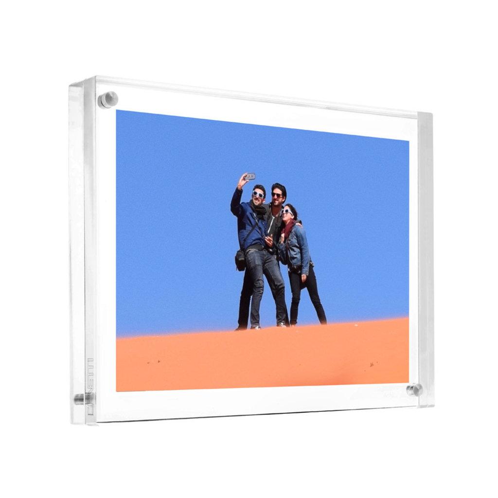 Canetti Original Magnet Frame 8.5 x 11