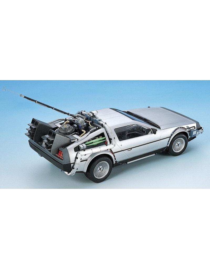 Aoshima Aoshima 005916 1/24 Back to the Future Part I DeLorean