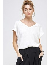 A.gain Ivory Solid V-Neck Tee W/Side Slit