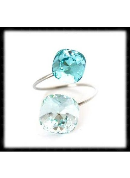 The Beaded Wire Light Turquoise Azore Ring