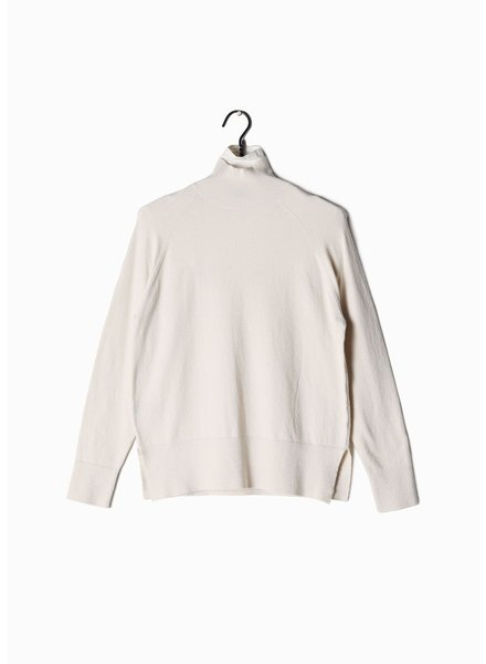 Look by M Ivory Basic Mockneck Sweater
