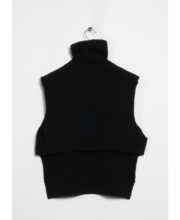 Black Front Zipped Tabard