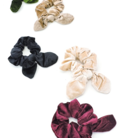 SPENCER KNOTTED SCRUNCHIE