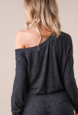 LAYOVER ONE SHOULDER TOP