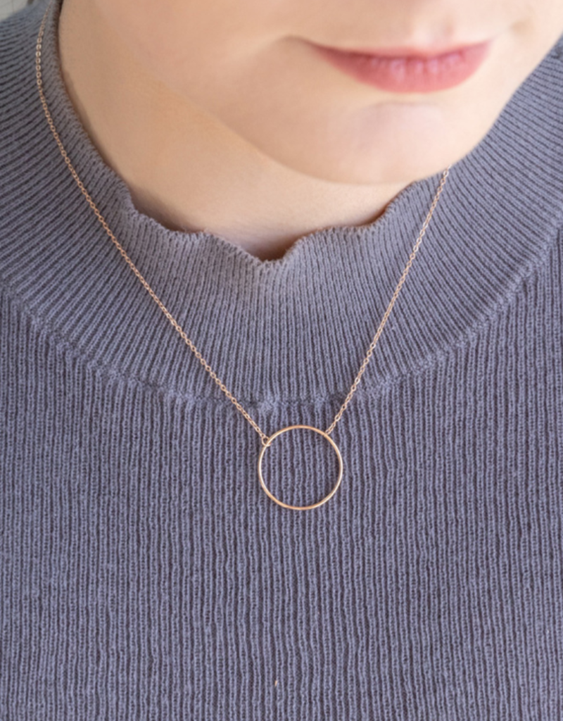 THIN HOOP NECKLACE