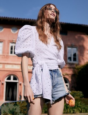 Atikshop Eyelet Puffy Sleeves Top