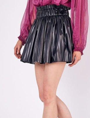 Atikshop Pleated Faux Leather Mini Skirt