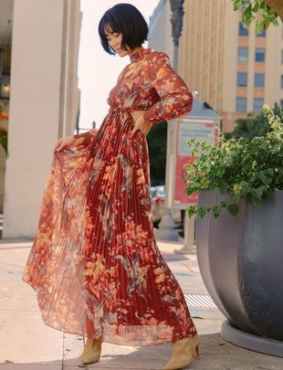 Atikshop Sunset Floral Maxi Dress