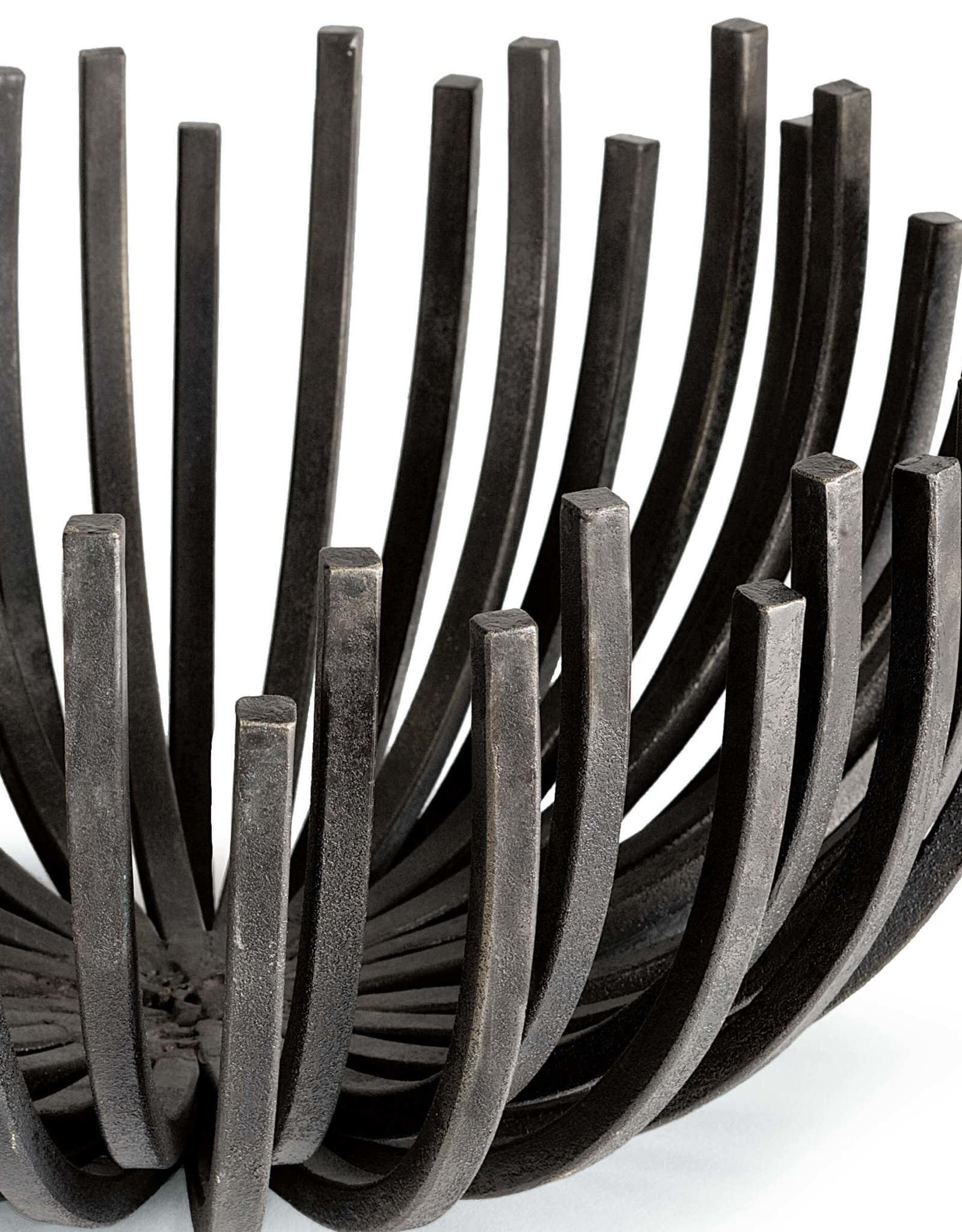 Regina Andrew Design Webbed Bowl Circle (Blackened Iron)