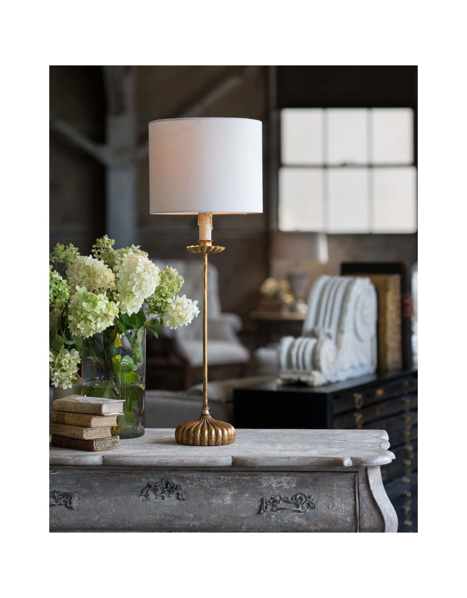 Regina Andrew Design Clove Stem Buffet Table Lamp With Natural Linen Shade (Antique Gold Leaf)