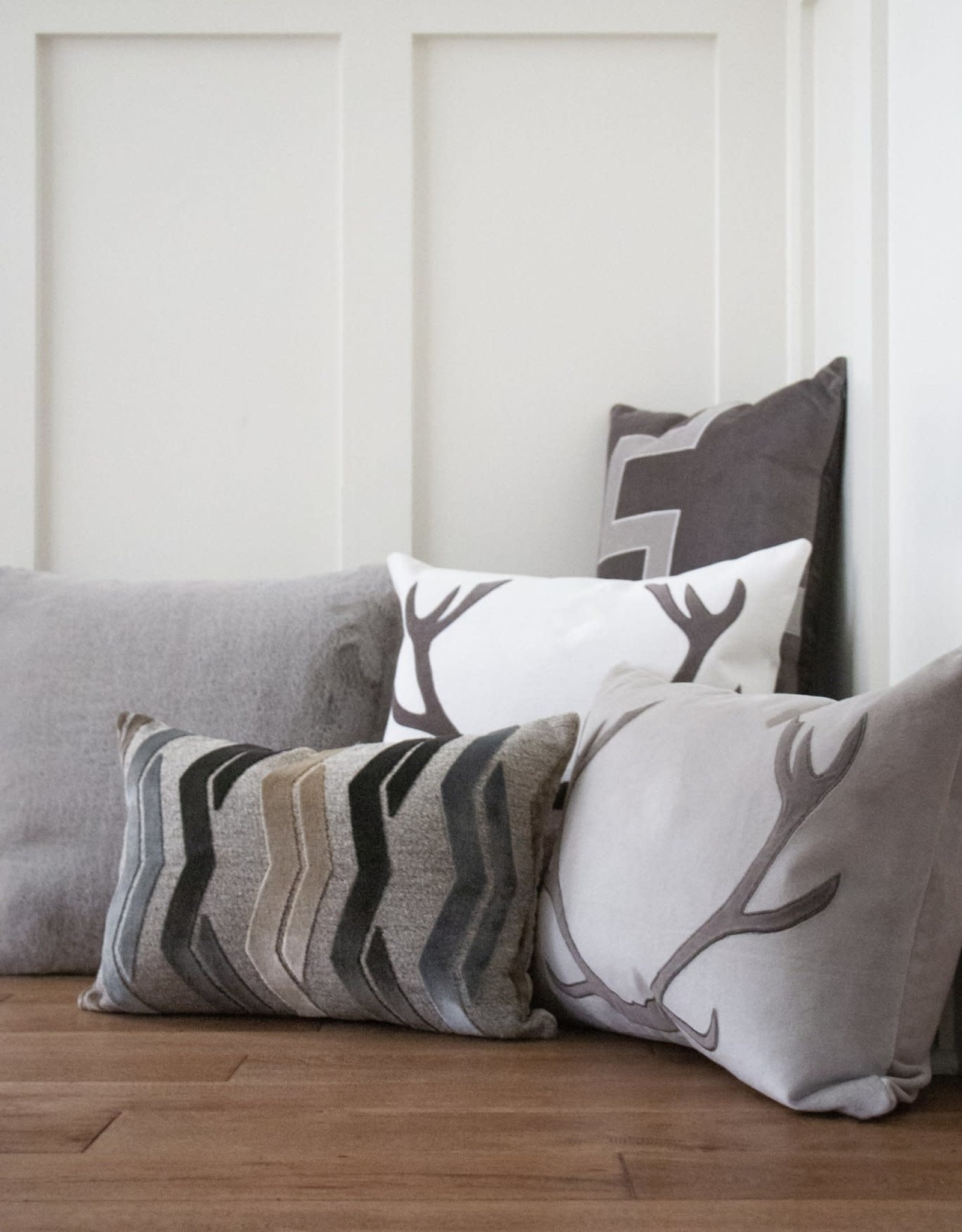 Vixen Pillow - Natural/Charcoal 14x20