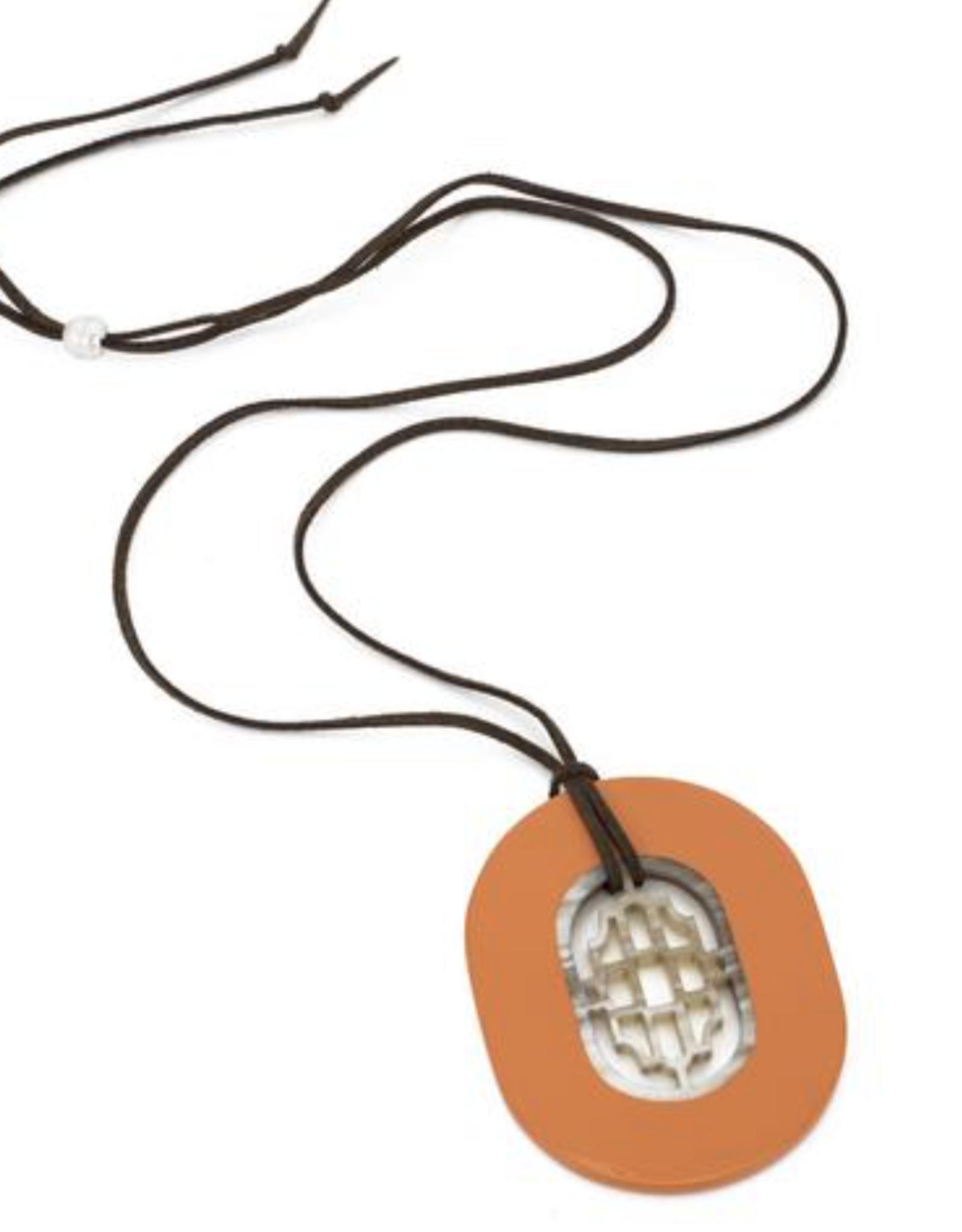 Vivo OVal Horn Pendant-Poppy Lacquer