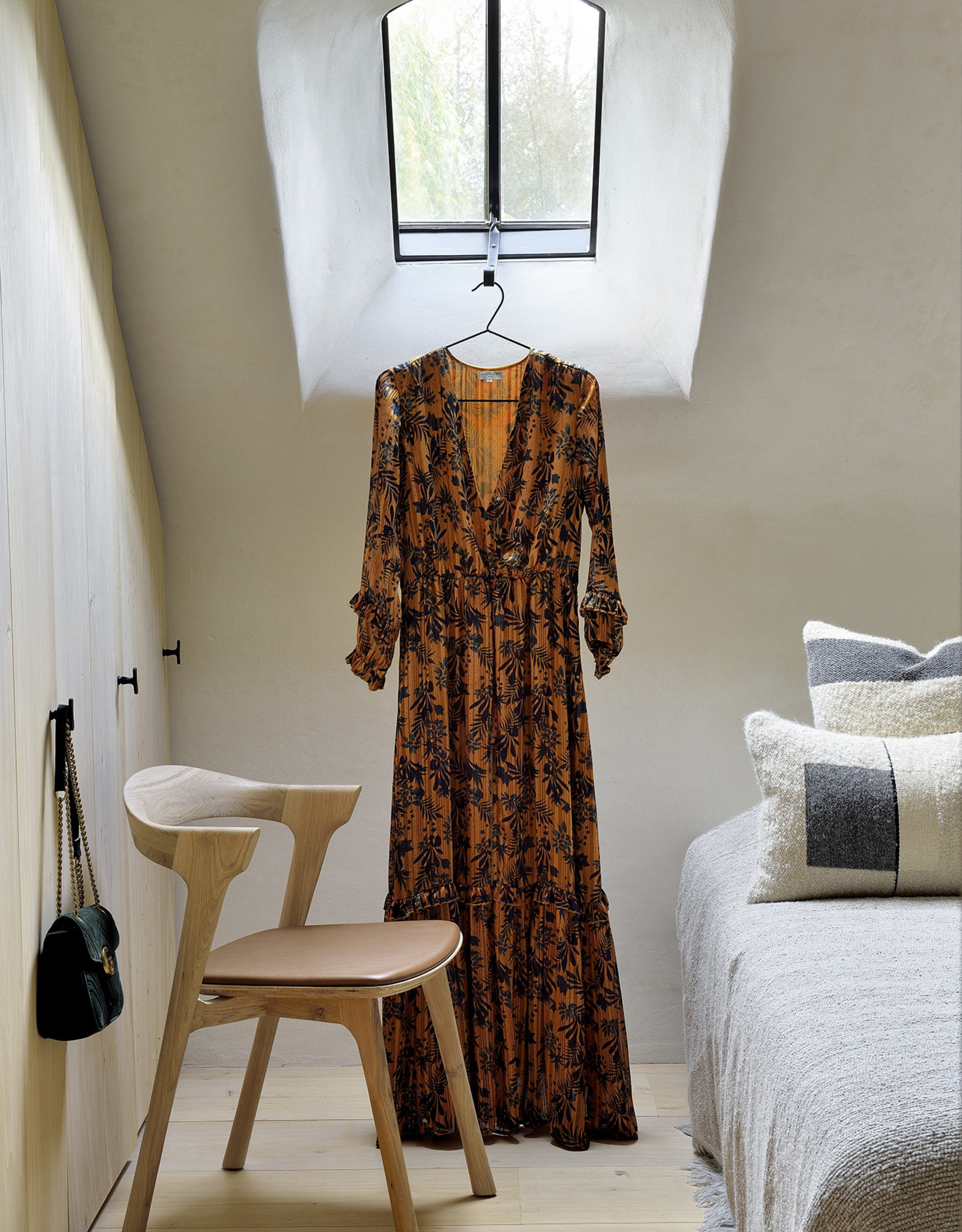 Oak Bok dining chair - cognac leather - Varnished