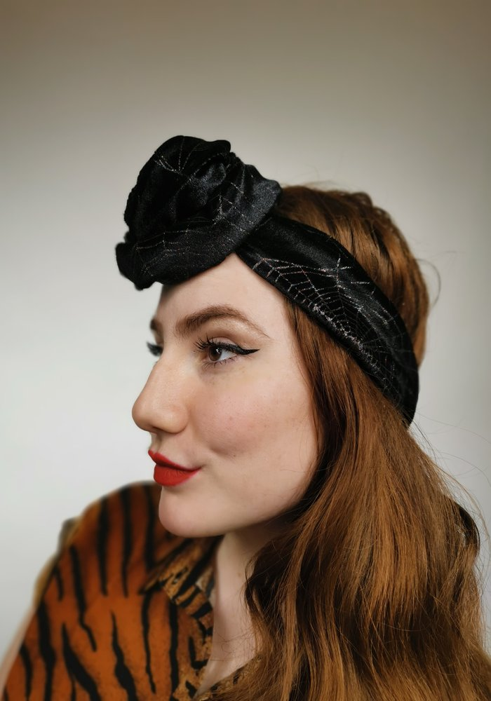 Turban large spider web noir