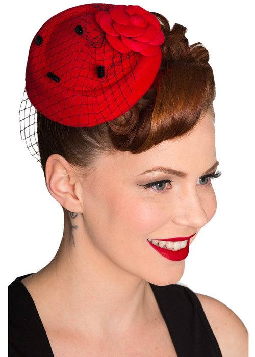 Banned Red Maryline Fascinator