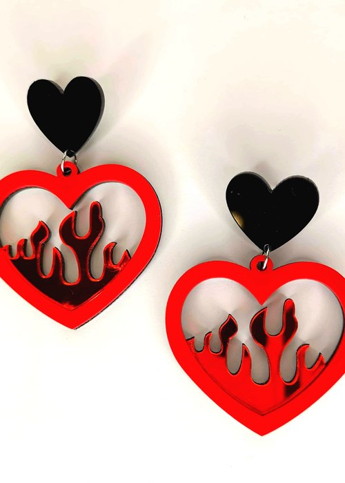 Kitsch'N Swell Flaming Red Heart Earrings