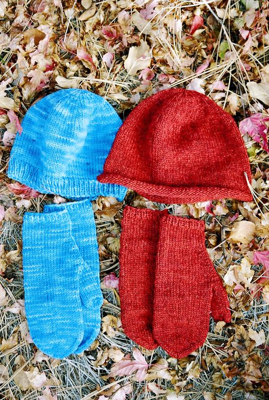 KP&S Basic Hat & Mitten Set For Women 223