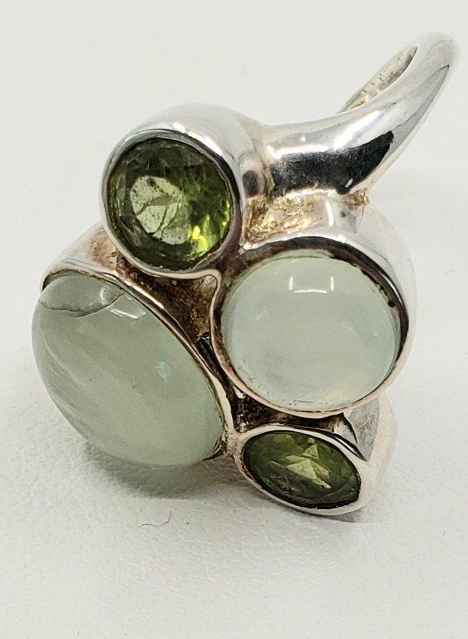 prehnite and peridot ring