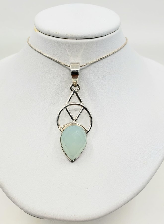 chalcedony pendant with silver  design