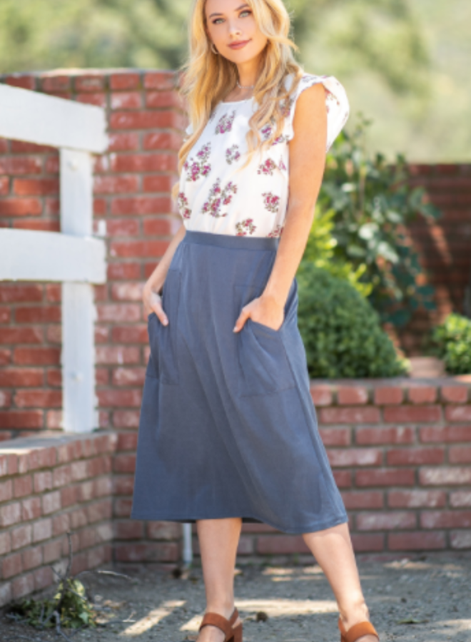 casual skirt with pockets
