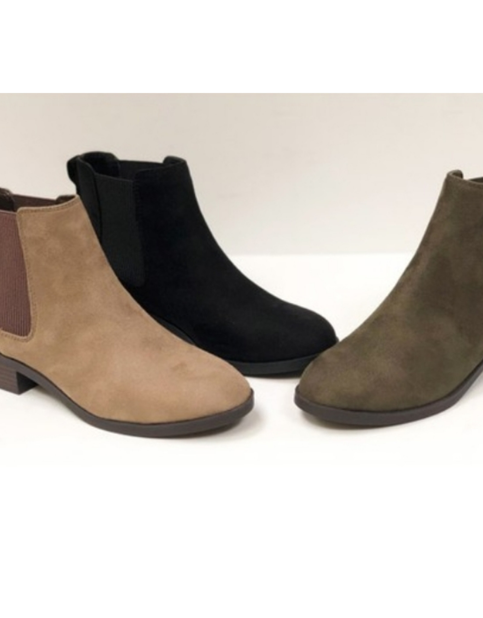 City Classified flat booties