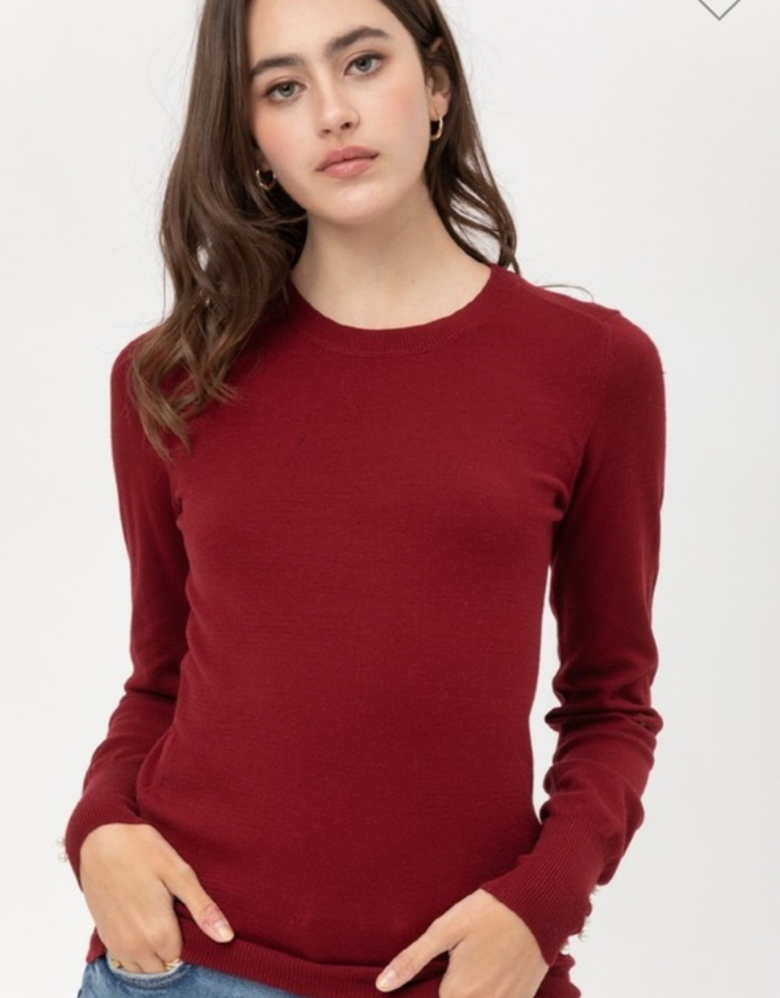 basic sweater with pearl on cuff