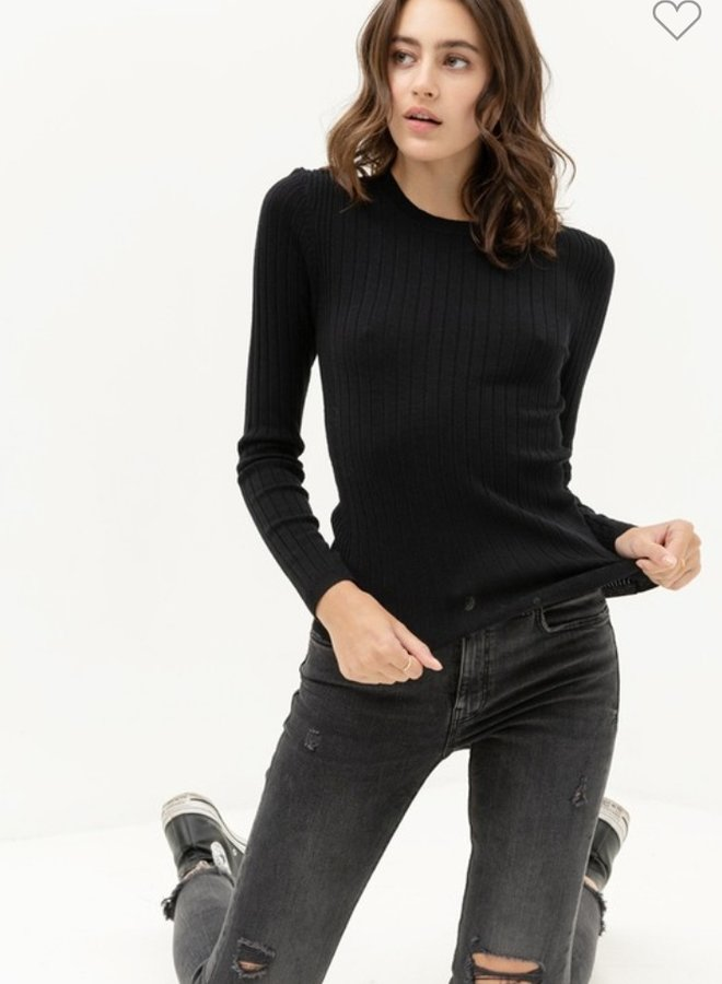 solid black ribbed top