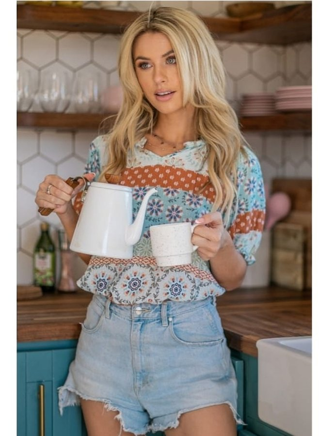 floral print puff sleeve top