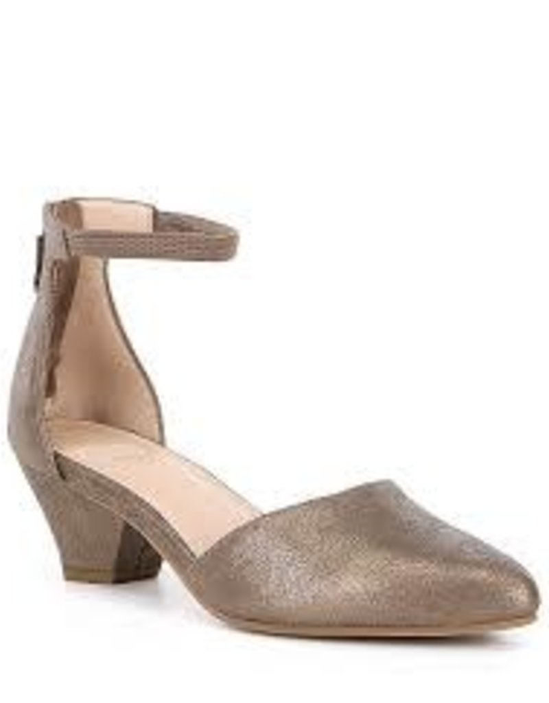Eileen Fisher - The Just Shoe