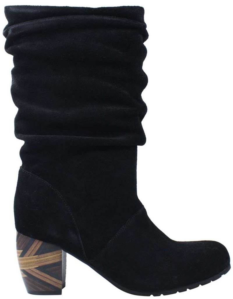 L'AMOUR DES PIEDS - Pamby Suede Boot