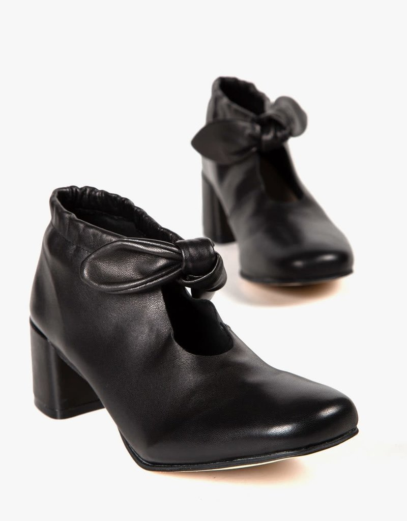 ALL BLACK - Bow Tie Bootie