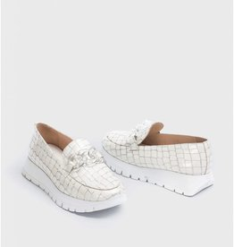 WONDERS Patent Leather Moccasin