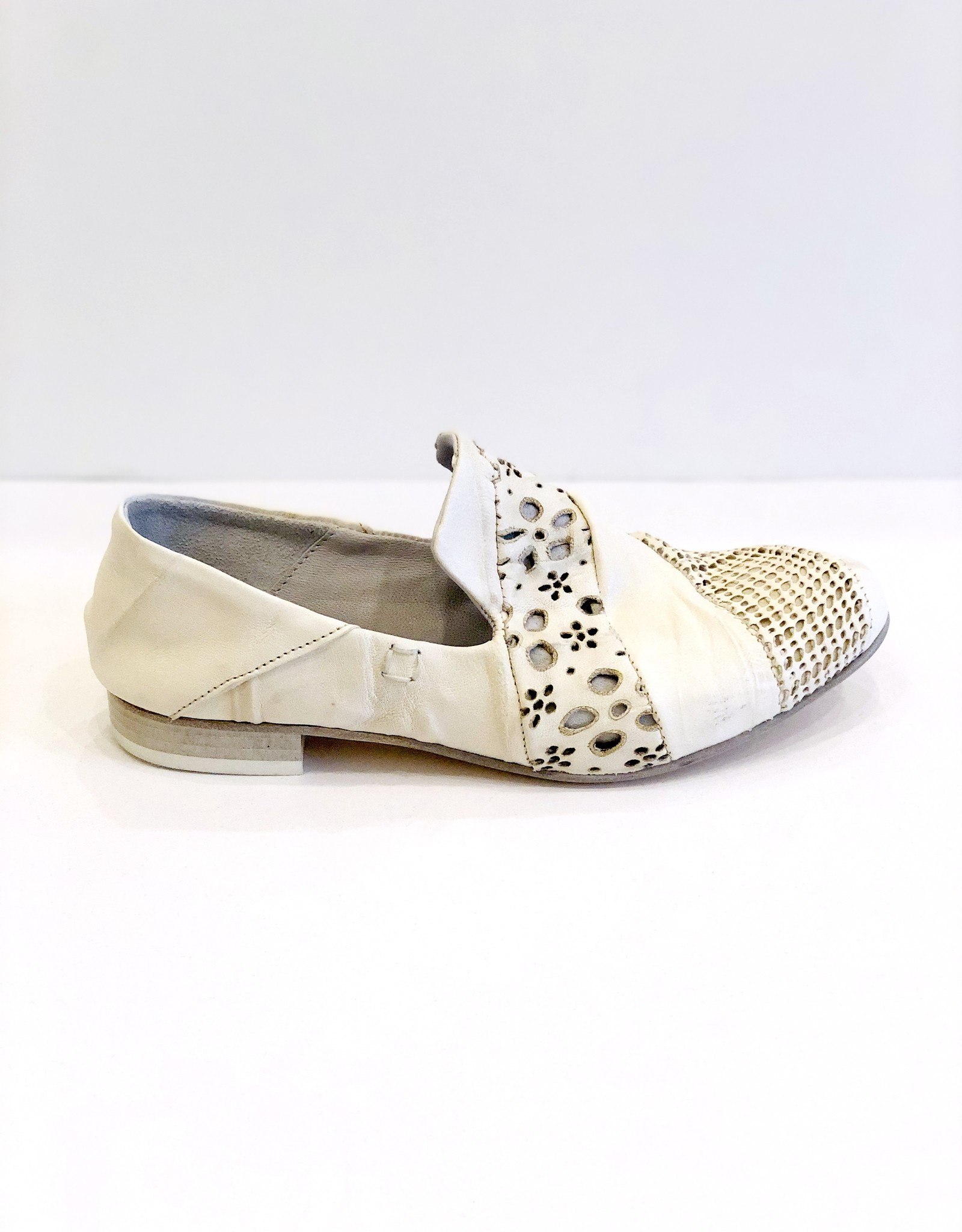 COLLECTION PRIVEE Locha Loafer