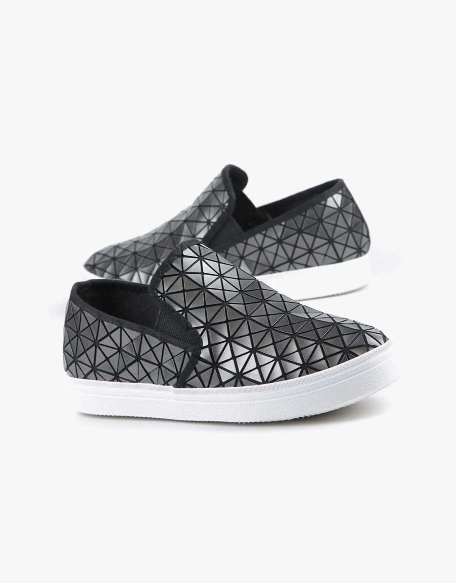 ALL BLACK Graphic Round Slip on Sneaker