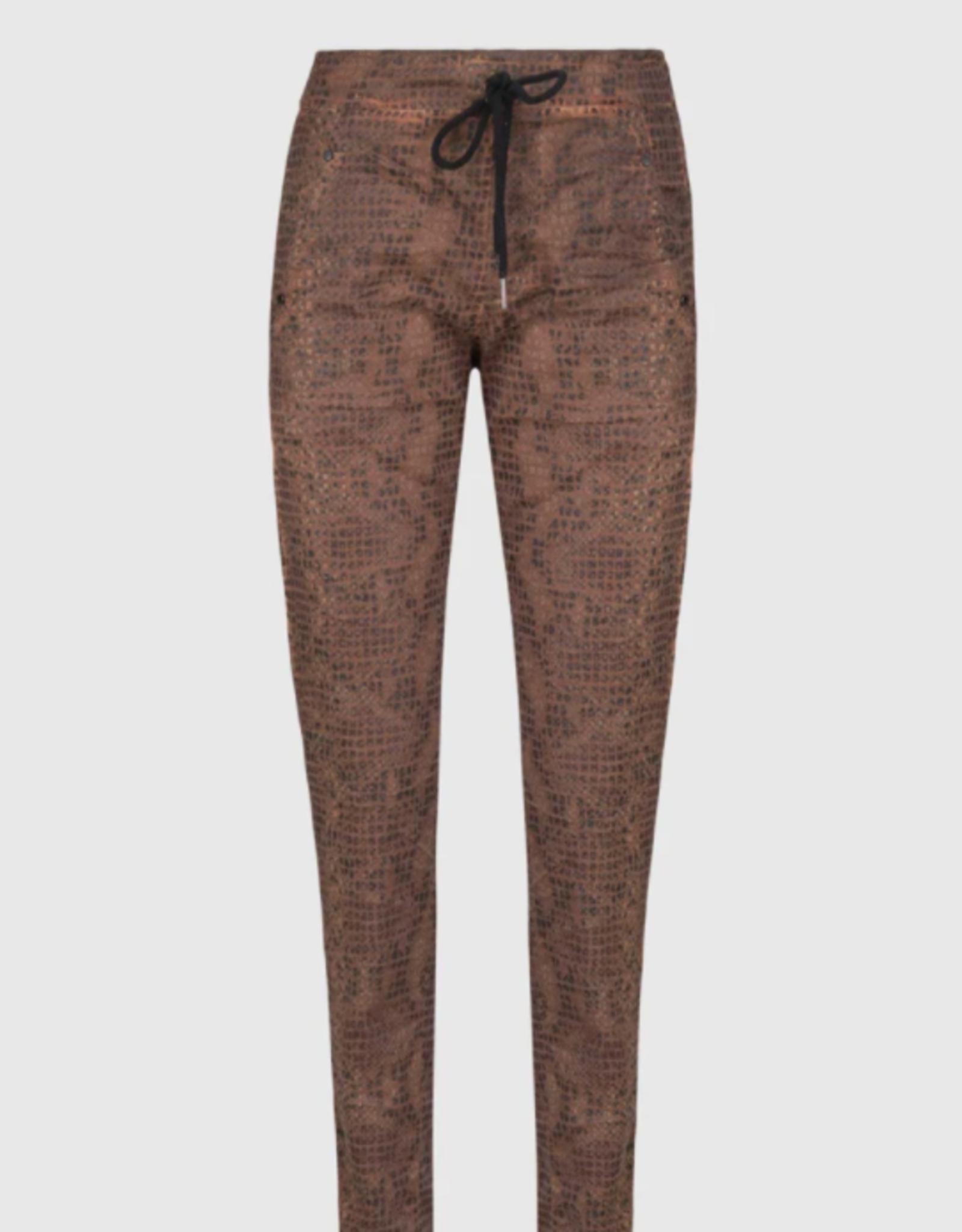 ALEMBIKA Iconic Stretch Jeans