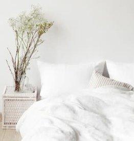 White King Sized Linen Duvet With 2 Shams