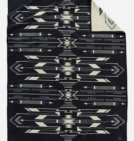 PENDLETON Tsi Mayoh Black Jacquard Robe Blanket