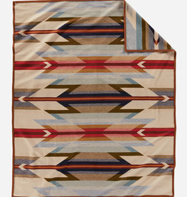 PENDLETON Wyeth Trails Jacquard Robe Blanket