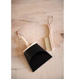 CREATIVE CO-OP DUSTPAN AND BRUSH METAL AND WOOD