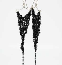 MOSS FOLLOWS Medium Black Chain Triangle Earrings