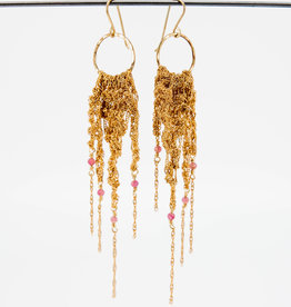 MOSS FOLLOWS Medium Hoop Earring With Gold Chain and Pink Tourmaline