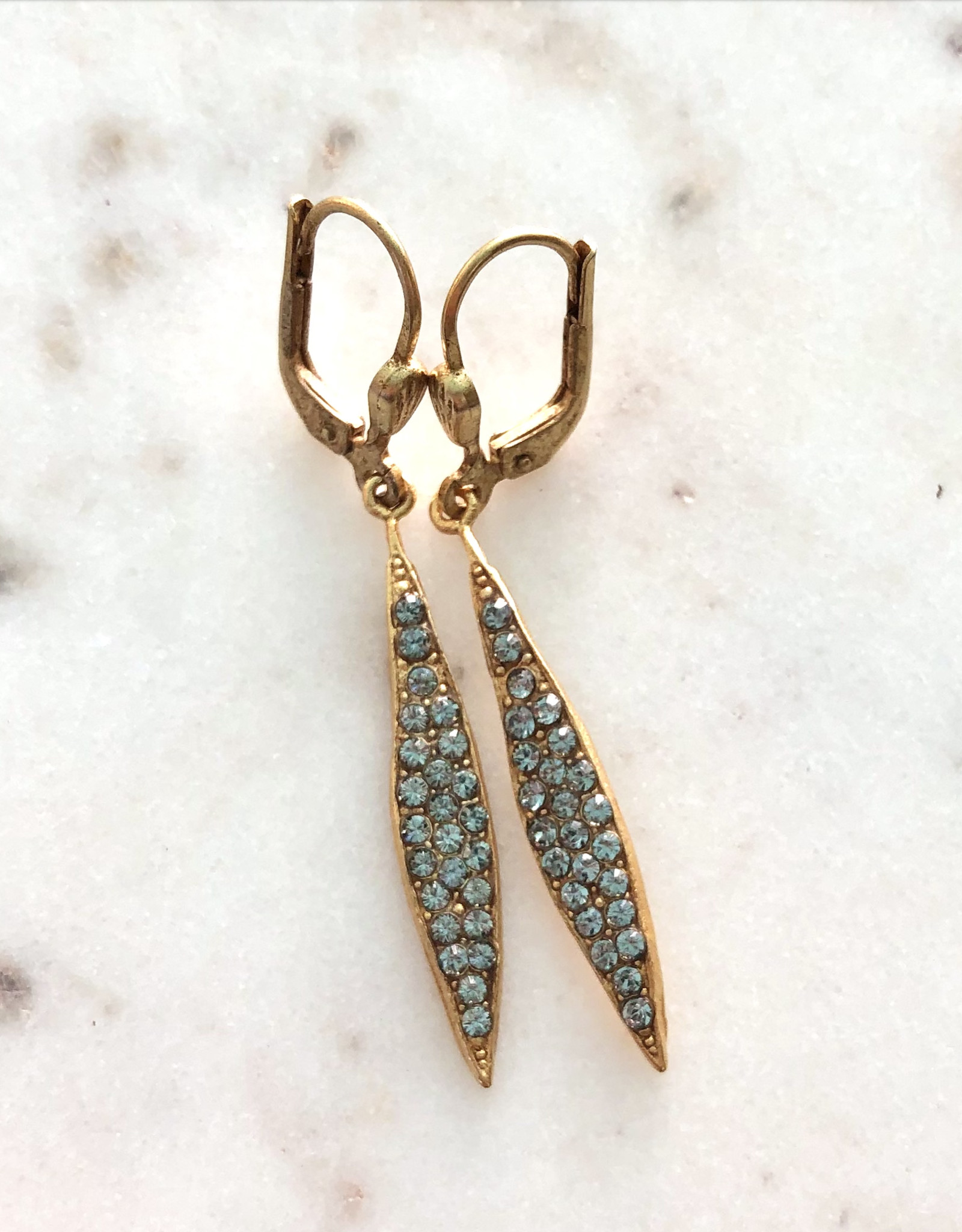 EARRING SPEAR WITH CRYSTALS ON FRENCH HOOK GOLD